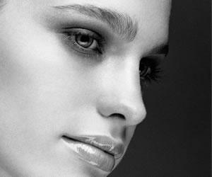 Cilt sıkılaştırıcı doğal yüz maskesi hazırlama