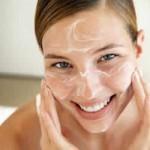 Sivilce oluşumunu azaltmak için belirli aralıklarla peeling maskesi kullanabilirsiniz